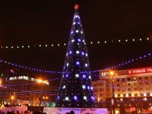 И вот она нарядная! Челябинская елка вошла в рейтинг самых высоких в России