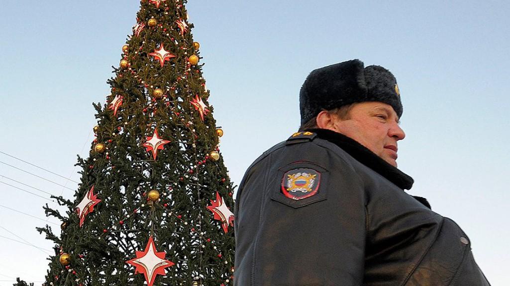 Две тысячи полицейских будут следить за безопасностью на Новый год
