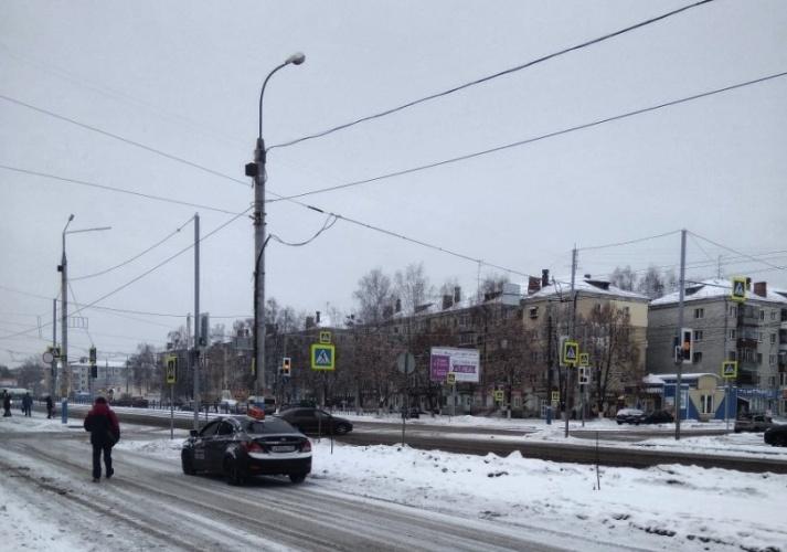 Брянцев пугает поломанный светофор на проспекте Московском