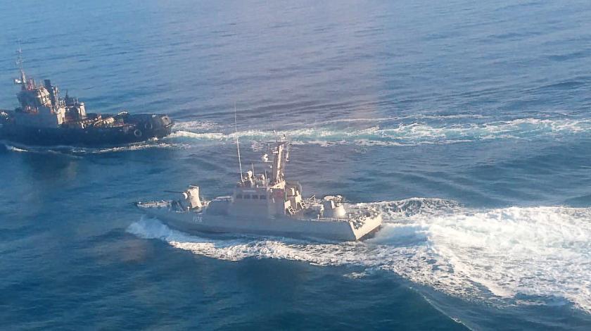 Украина снова направит военные корабли через Керченский пролив
