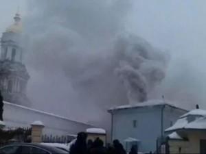 В Киеве на территории Киево-Печерской лавры начался пожар
