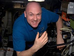 Голландский космонавт вызвал с орбиты службу спасения