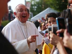 Папа Римский Франциск запустил мобильное приложение «Кликни и молись»