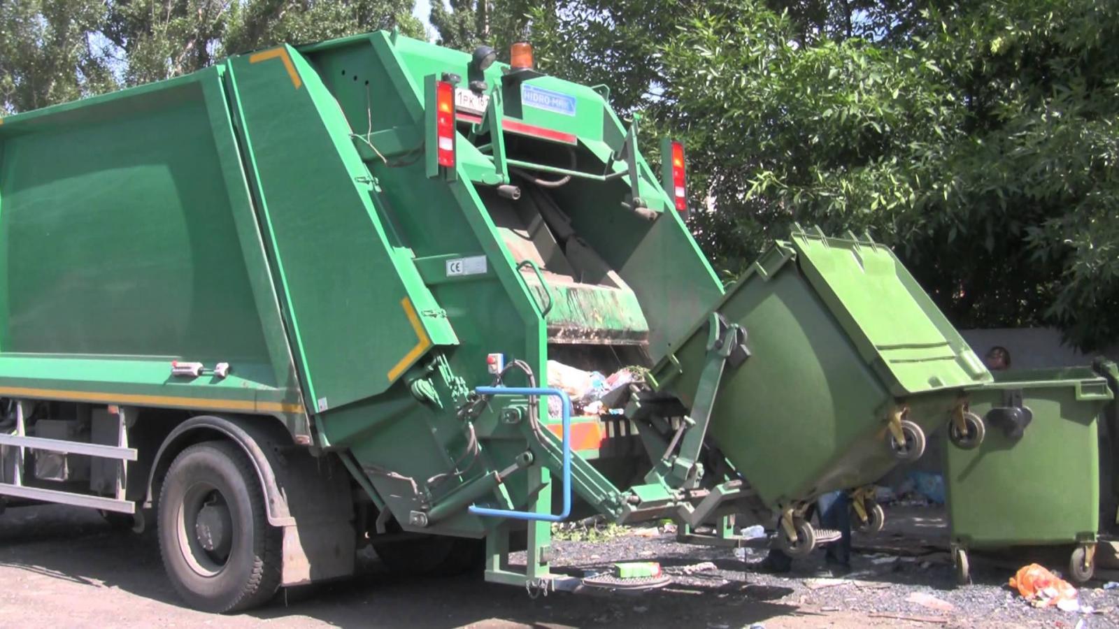 В Брянске работает «горячая линия» по вывозу мусора