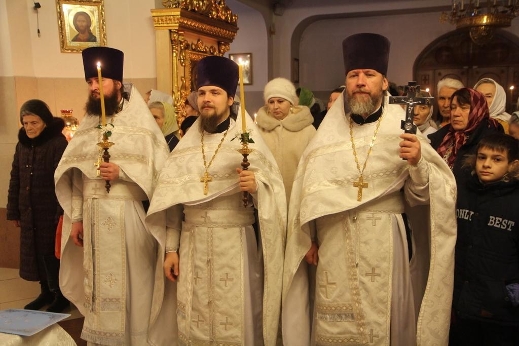 Брянский митрополит освятил воду в Кафедральном соборе