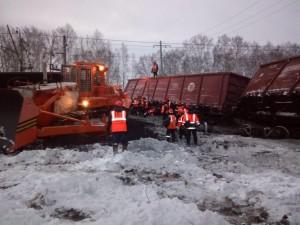 16 вагонов с углем сошли с рельсов в новогоднюю ночь