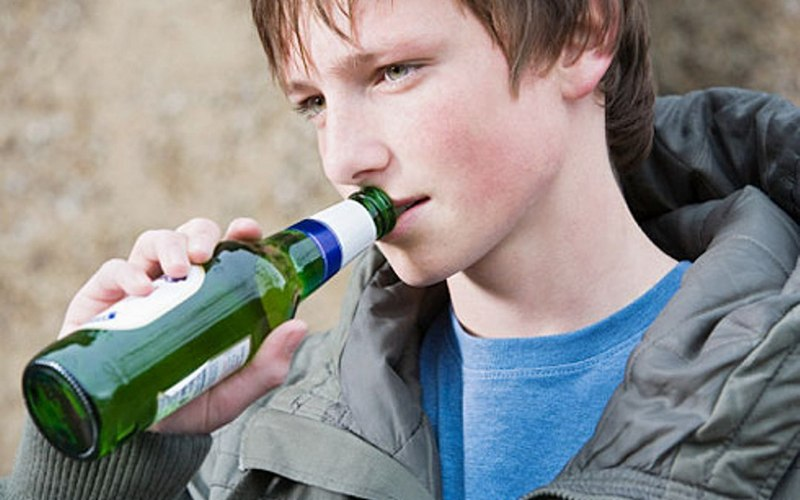В Госдуме предложили приучать детей к качественному алкоголю