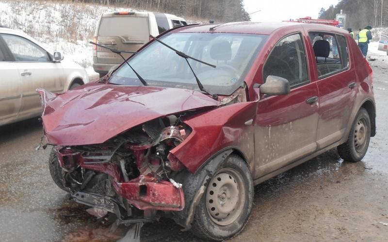 Под Клинцами женщина-водитель врезалась в «газель»