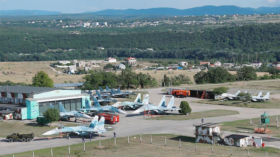 Модернизацию военного аэродрома в Крыму планируют завершить до конца 2019 года
