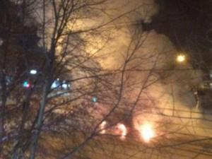 В центре Магнитогорска взорвалась и сгорела маршрутка