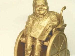 Скульптура в честь инвалида-писателя появится в Челябинске