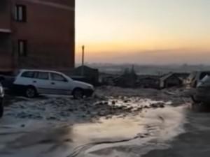 Ледяная горка из фекалий стала приметой зимы в Амурской области