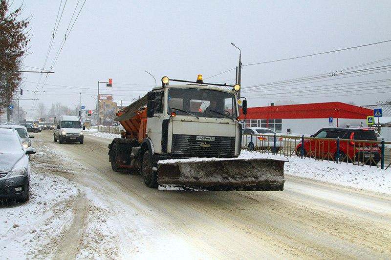 Борьба со снегом в Брянске продолжается