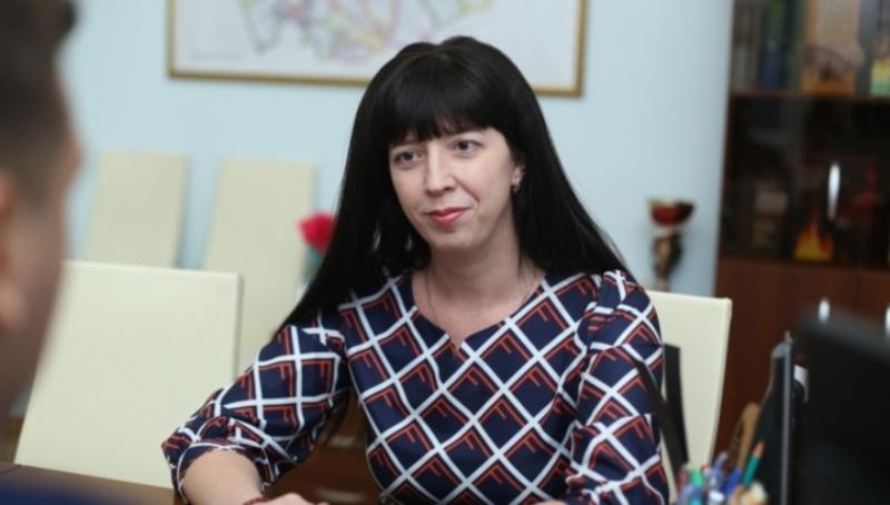 Чиновница пристыдила учителей за желание зарабатывать более девяти тысяч рублей