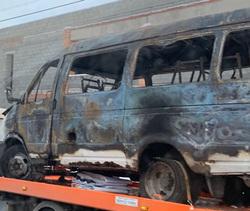 В загоревшейся маршрутке в Магнитогорске могла  находиться семья водителя, считают СМИ