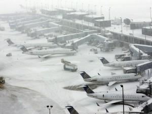 Более тысячи авиарейсов отменены в США