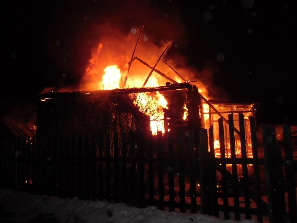 В брянских Дарковичах сгорела дача