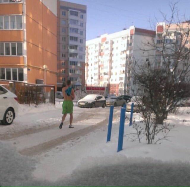 В Брянске заметили еще одного жаркого парня