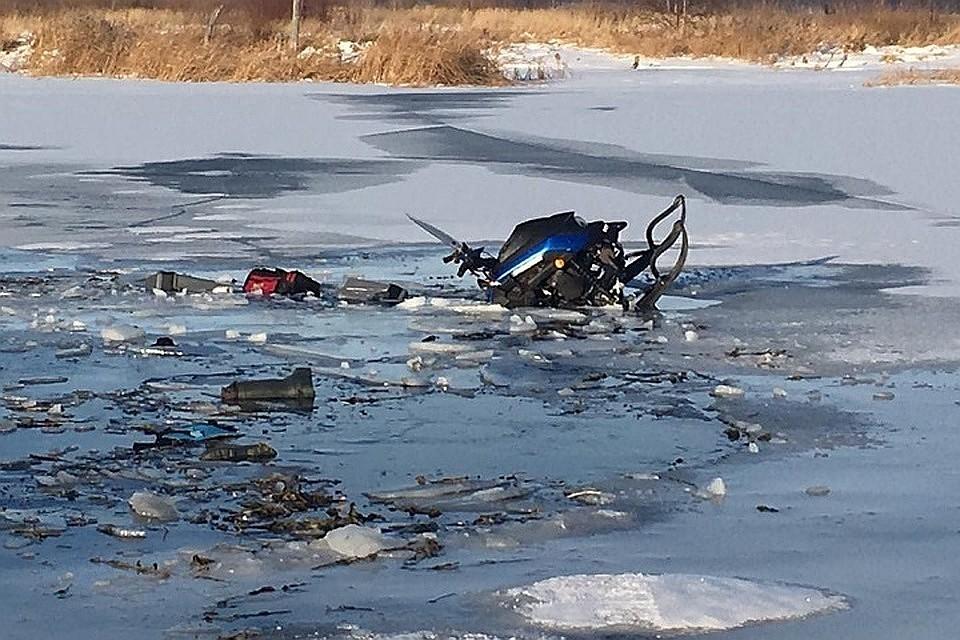 В Брянске на Десне провалился под лед и утонул снегоход