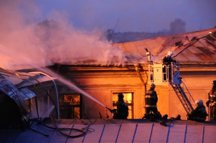 В Брянске на Крахмалева загорелся балкон многоэтажки