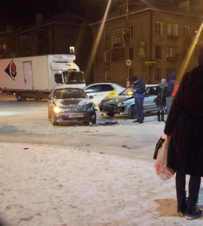 ДТП на Новостройке: на перекрестке столкнулись две машины