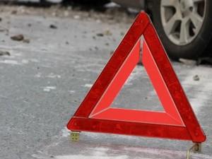 В Челябинске маршрутка врезалась во внедорожник