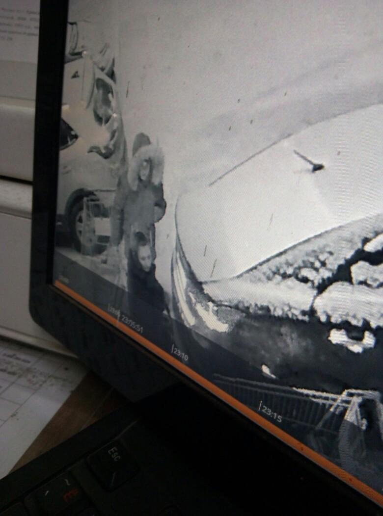 В Брянске ищут автоледи на «Lexus RX», присвоившую чужие вещи