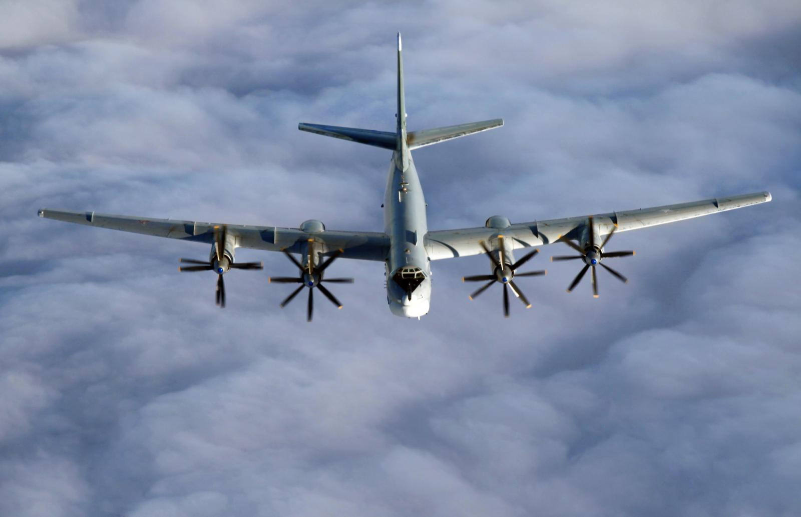 Миссия ОБСЕ заметила летящий над Донбассом бомбардировщик
