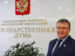 Он голосовал за повышение пенсионного возраста. Депутат Георгий Карлов