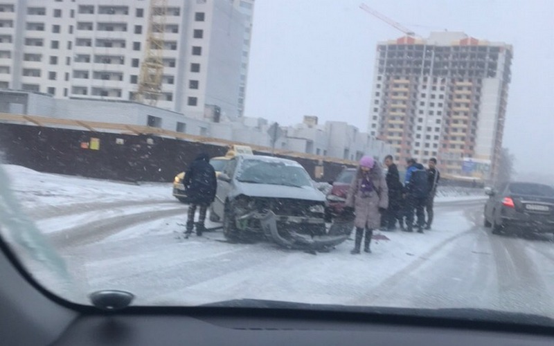 В Брянске выясняют причины массового ДТП на улице Горбатова