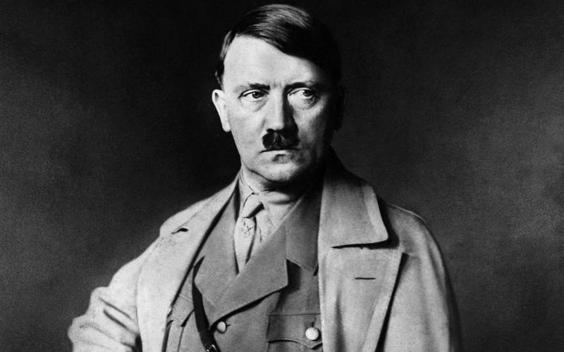 На аукционе в Нюрнберге не смогли продать картины Гитлера