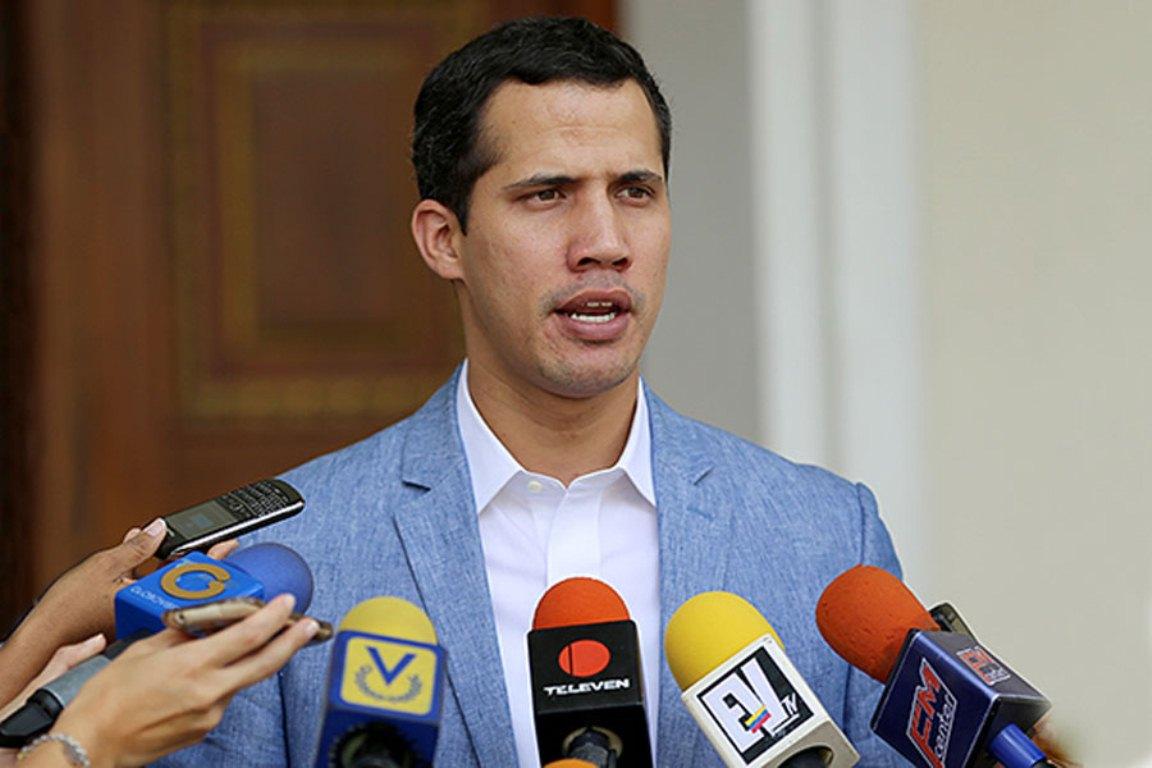 Гуаидо издал  свой первый «президентский» указ