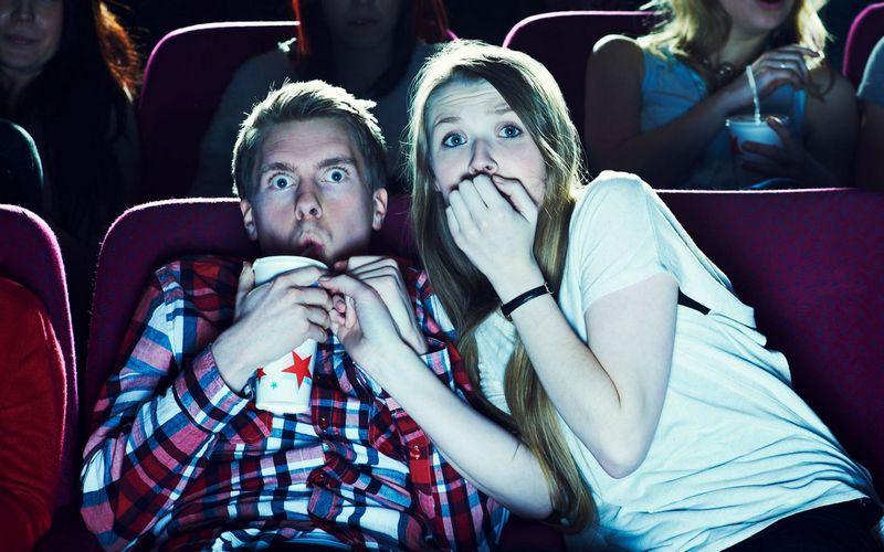 Брянец отдал 12 тыс рублей за билеты в несуществующий кинотеатр