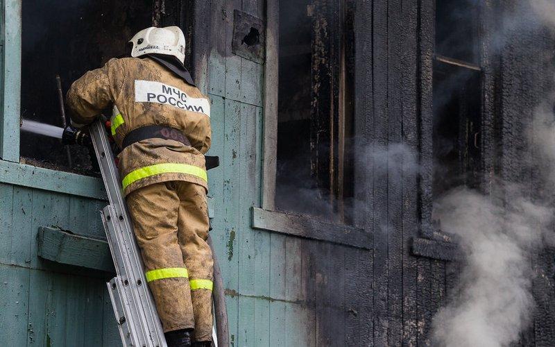 В Клетне горел дом — погиб пожилой хозяин