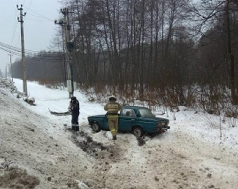 На брянской трассе столкнулись две легковушки: есть пострадавший