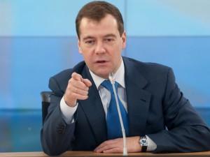 Медведев рассказал сенаторам, как правильно ставить ударение в слове «свекла»