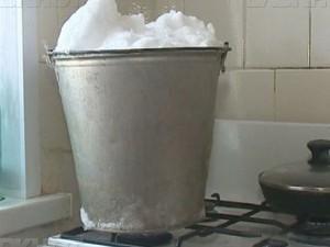 Оставшимся без воды жителям Якутии посоветовали топить снег
