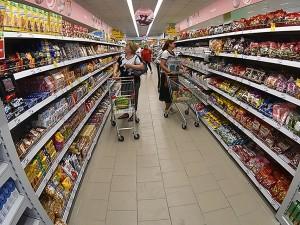 Закрывать супермаркеты в России по выходным предложили в Совете Федерации