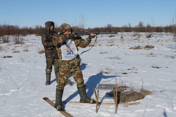 В Трубчевском районе праздник отметили охотничьим биатлоном