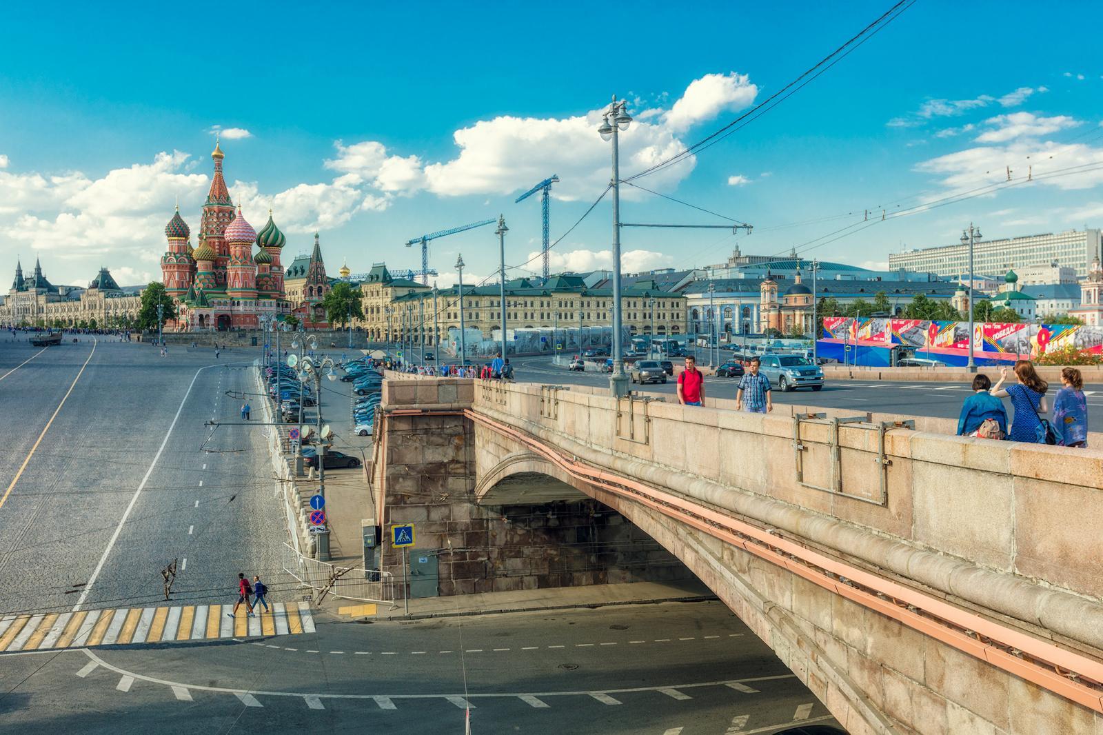 Неизвестные возле Кремля похитили кабель правительственной связи