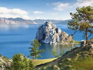 Свыше миллиона россиян подписали петицию за спасение Байкала