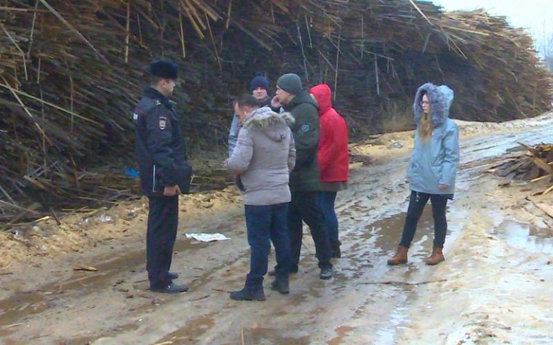 Брянские полицейские нашли незаконную свалку в Володарском районе