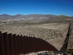 8,6 миллиарда долларов просит Трамп на строительство стены на границе с Мексикой