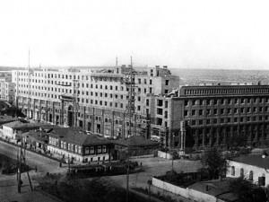 Что писали о «доме на площади» в Челябинске - отрывки из книг и газетных публикаций разных лет