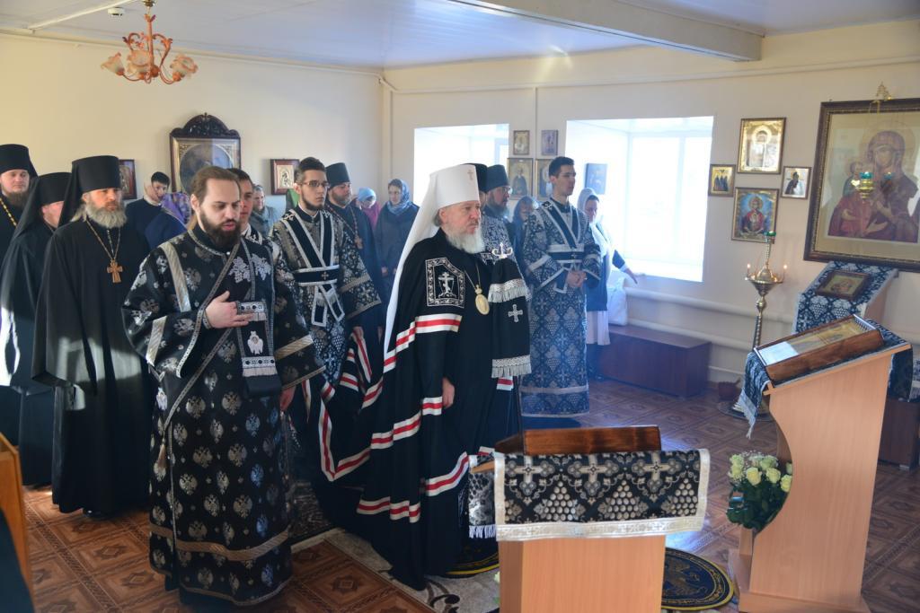 Впервые за сто лет в Севском монастыре прошло богослужение