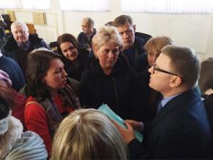 Текслер встретился в Магнитогорске с жителями пострадавшей от взрыва десятиэтажки
