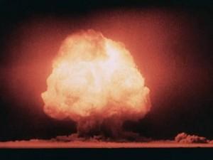 Отреставрированное видео первого взрыва ядерной бомбы выложили в Сеть