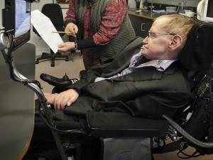 Бывшую сиделку Стивена Хокинга лишили лицензии