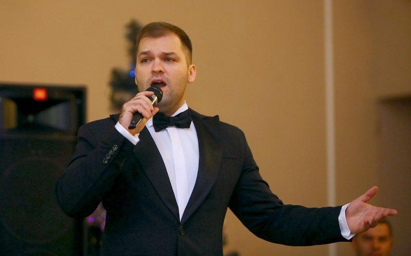 Тенор Павел Бородин зовет брянцев в музыкальное путешествие