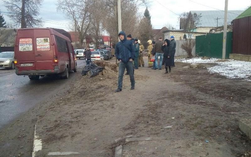 Брянские автоинспекторы выясняют причины ДТП с маршруткой на Спартаковской